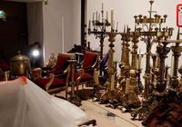 實拍!巴黎聖母院被搶救文物散亂堆放在市政廳