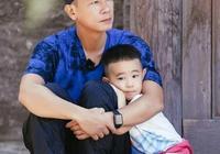 小小春在自我介紹時笑翻網友,其實是陳小春教兒子如何保護自己!