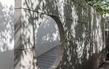 住宅設計:有中式裝飾景牆和室內水景荷花池的庭院住宅,理想房子