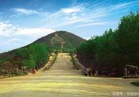 此人意外將祖墳埋在真龍吉穴,隨後平步青雲,竟成為了開國皇帝!