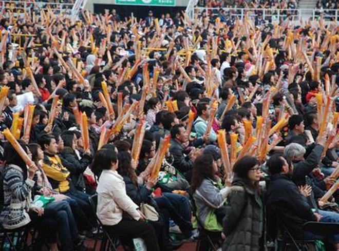 """華語樂壇最""""慘淡""""的五場演唱會,他的演唱會只有7個觀眾?"""