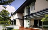 住宅設計:超級特別的中空別墅,一個有鐵藝遮陽摺疊窗的美宅