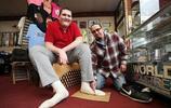 美國密歇根州青年布羅克布朗5歲時,被診斷為巨人症