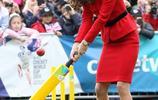 真心佩服凱特王妃,紅色短裙優雅大氣,36歲也能穿成20歲!