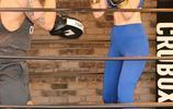 """在76屆金球獎頒獎典禮意外走紅的""""斐濟水女孩""""打起了拳擊"""