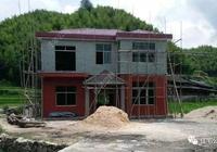 這棟二層農村別墅7萬做基礎,主體建成卻僅用14萬,怎麼做到的?