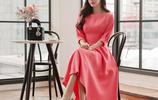 """新出一種裙:叫""""晚風裙"""",洋氣減齡不說,關鍵顯嫩襯膚白"""