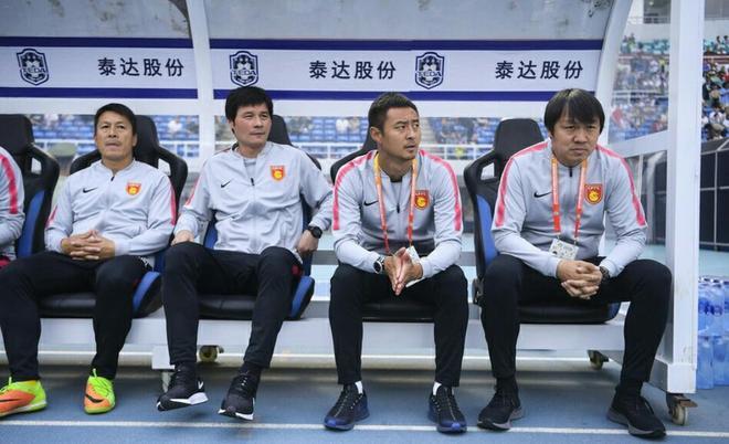 河北華夏幸福代理主帥謝峰與助教李毅在中超第10輪迎來首秀
