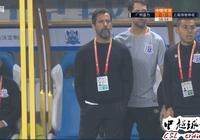 為中國足球真拼了:54歲中超名帥今晚1決定令人動容!