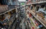 成都一破舊老樓爆火,被稱為小香港,居民愁苦盼拆遷