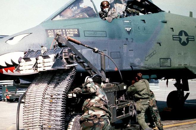 高清圖集:GAU-8 復仇者機炮