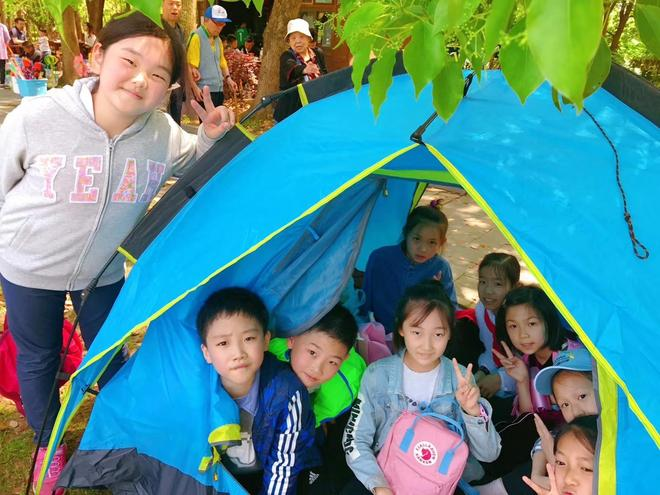 日本小學生的自帶盒飯遭遇強勁對手:武漢小學生出場了!