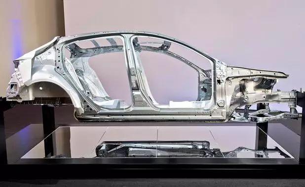 馬自達研發新汽車平臺 定位新款馬自達3