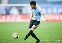 中國足球的諷刺?他20歲進國足,21歲成新人王,23歲卻靠政策踢球