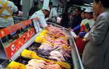 超市員工說漏嘴:買凍雞腿、雞翅時,這3種儘量別選,家人從不吃