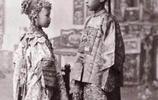 珍貴老照片再現清朝人的結婚現場:圖三為童養媳,圖四新娘很怪異