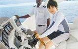 18歲開遊艇,19歲坐擁私人飛機,出行豪車最便宜的700萬!