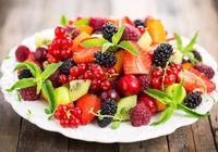 """長壽老人告訴你,夏天經常吃這5種水果,""""無病無災""""過一夏"""
