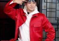 羅志祥都快40歲了,衣品依舊時尚,簡單彩色衛衣年輕10歲!