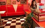 孟美岐最新雜誌封面內頁,炫彩迷離,平衡於甜酷之間的硬糖少女