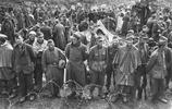"""在德國投降的戰俘,有的放回家,有的成了""""重建法國""""的勞動大軍"""
