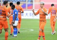 上港主帥佩雷拉大加讚揚魯能新星,表示他應該去歐洲豪門踢球