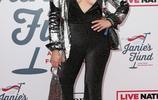 史蒂文·泰勒(Steven Tyler)的格萊美紅毯上的女星