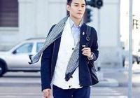 王凱穿黑色外套帥氣時尚,馬天宇穿粉色方格襯衫,不娘反而超時尚