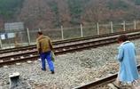 農村好哥:坐火車、穿鐵道、只是為了去農村參加女同學的婚禮