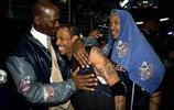 一組老照片,喬丹和NBA眾球星合影,你們發現老爺子最喜歡誰了嗎?