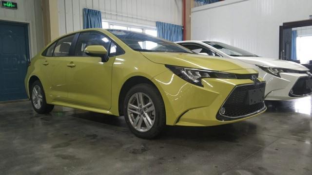 全國首批2019款豐田全新雷凌到店卸車,新增多種配色,又要火了