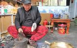 60歲農村老藝人堅守手工銅製品40年,最擔心手藝會失傳!