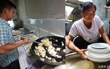 90後小夥掌廚開農家樂年入10萬 岳母免費洗碗