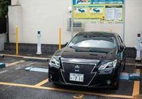 在日本看到本土皇冠,再看國產一汽皇冠,就明白為啥賣不出去了?