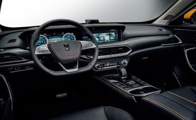 全息智控SUV,僅8.89萬起開出去回頭率超高。車大外觀好看