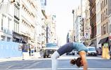 瑜伽體式,瑜伽人的旅遊照世界各地練瑜伽