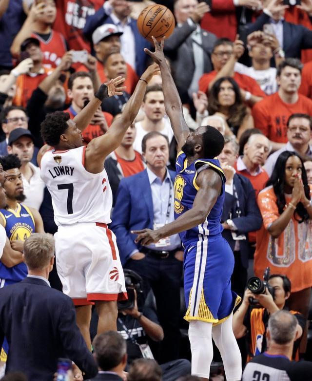 福布斯體壇百大富豪榜,詹姆斯領跑NBA,猛龍勇士各三人上榜