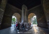 朱元璋贊他是國家萬里長城,墓地卻只有窄窄一綹