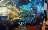 湖北宜昌:電影海報琳琅滿目《哥斯拉2》上映3天票房破4億