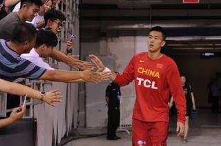 2017年中澳男籃對抗賽第四戰,一度領先,最終94-104惜敗,來討論一下中國藍隊在這場比賽中出現了哪些問題?
