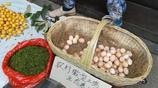 湖北宜昌:商家賣土雞蛋打出農村生態養殖園招牌 土蜂蜜難辨真假