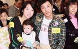 48歲譚耀文全家近照,女兒可愛兒子有趣,送圈外妻子百萬豪宅