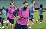 切爾西全隊在阿塞拜疆巴庫奧林匹克球場參加訓練,歐聯杯決賽來了