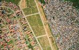 一線之隔,兩個世界:航拍鏡頭下的巨大貧富差距