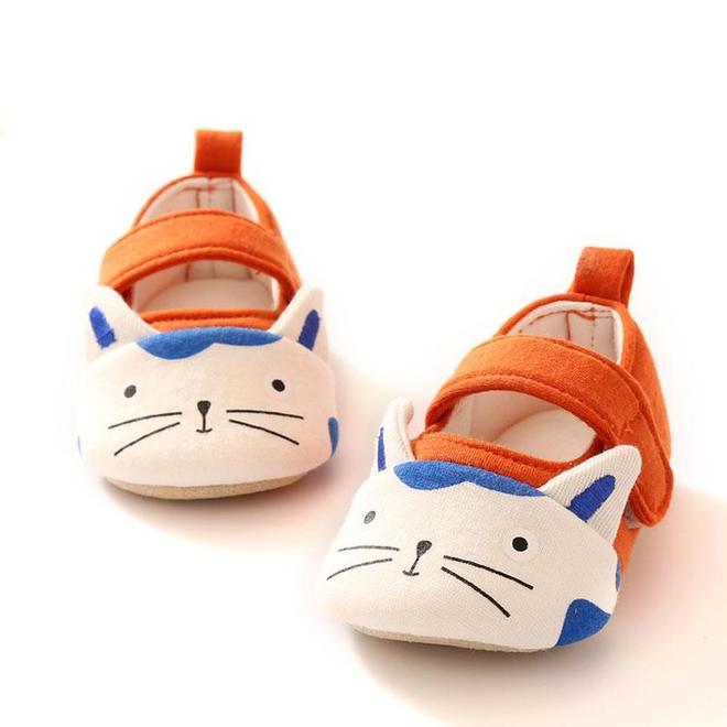 趁著雙11,媽媽快給寶寶備上軟底保暖鞋,保護小腳不受涼