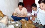 真的值200萬?江西男子14年撿奇石1萬多塊,有一塊土豪出10萬不賣