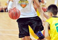 山東高速籃球俱樂部為何選擇36歲的張慶鵬,他很厲害嗎?