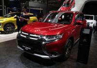 這款日系大七座SUV成功破局,售15萬配四驅,救活整個車企!