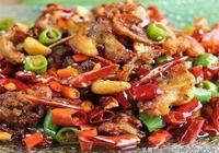 美食推薦:祕製煎排骨、啤酒燜酥魚、炒年糕製作方法