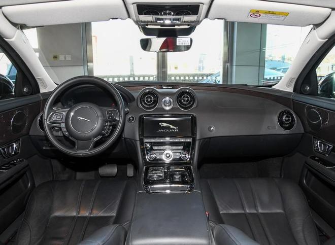 比奧迪A8L更上檔次的豪華D級車,裸車還不足50萬,值得買